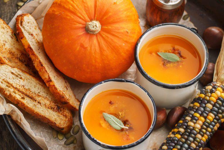 BONNE-ALIMENTATION-EN-HIVER-soupe_potimarrron_butternut_marrons