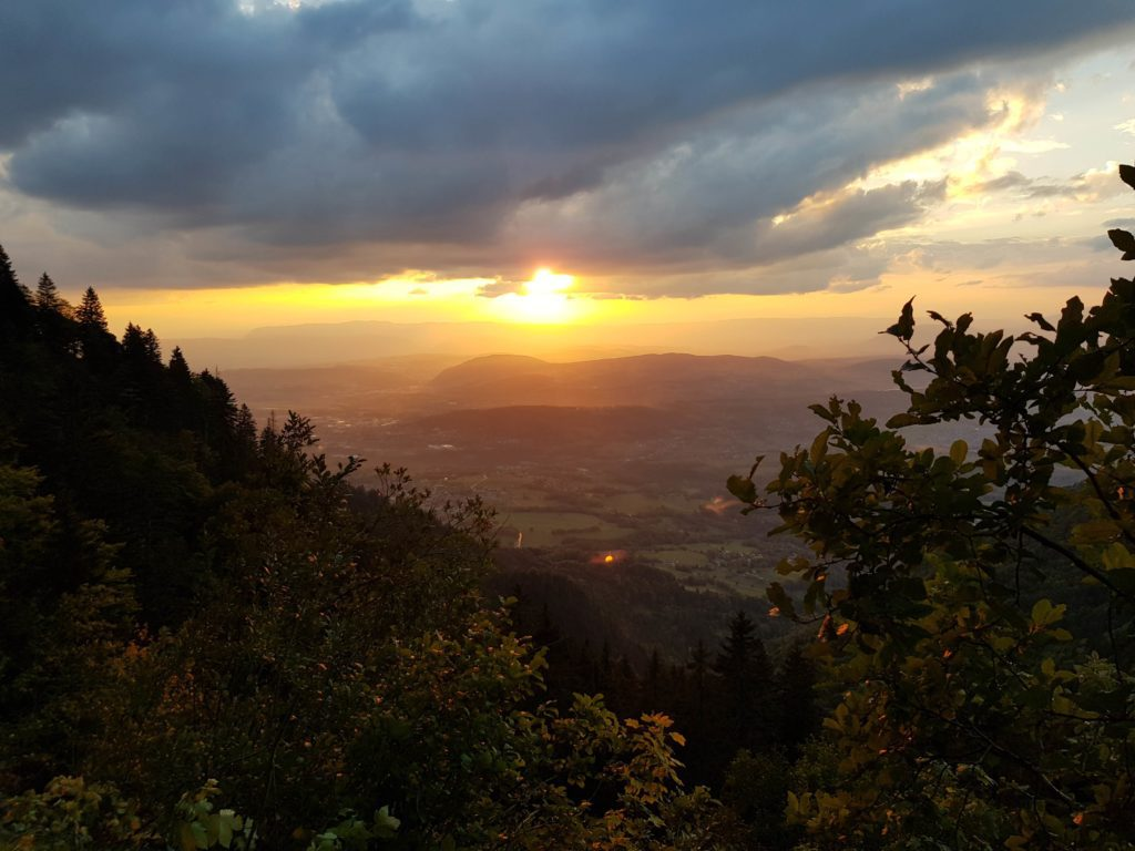 Randonnée Parmelan proche Annecy - coucher de soleil