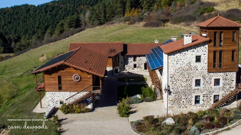 formation aux huiles essentielles Les jardins d'Espaladous Puy en Velay