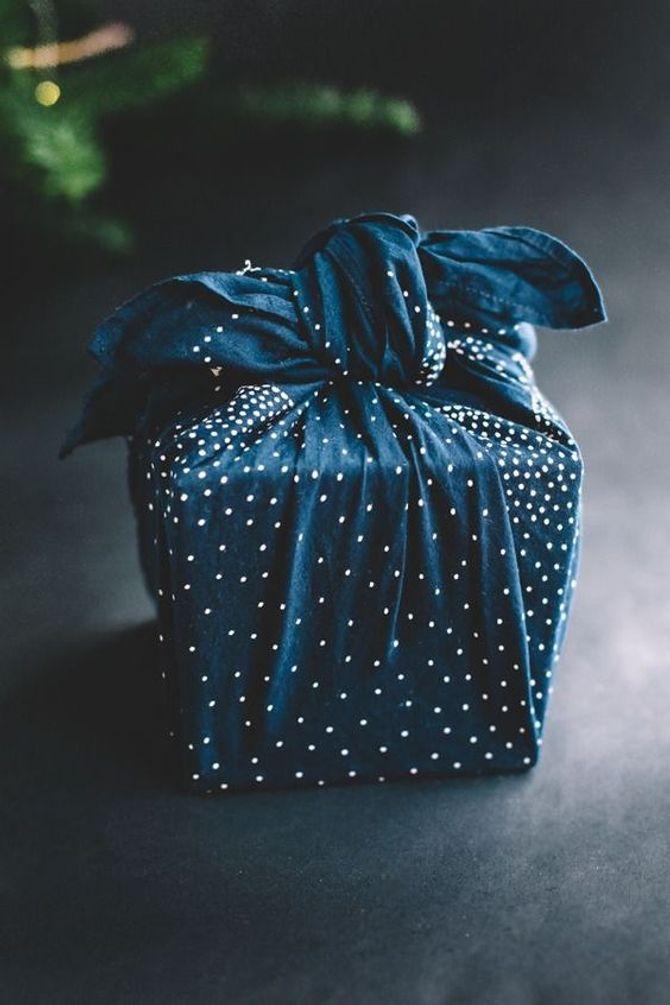 cadeaux écolo - paquet cadeau Furoshiki