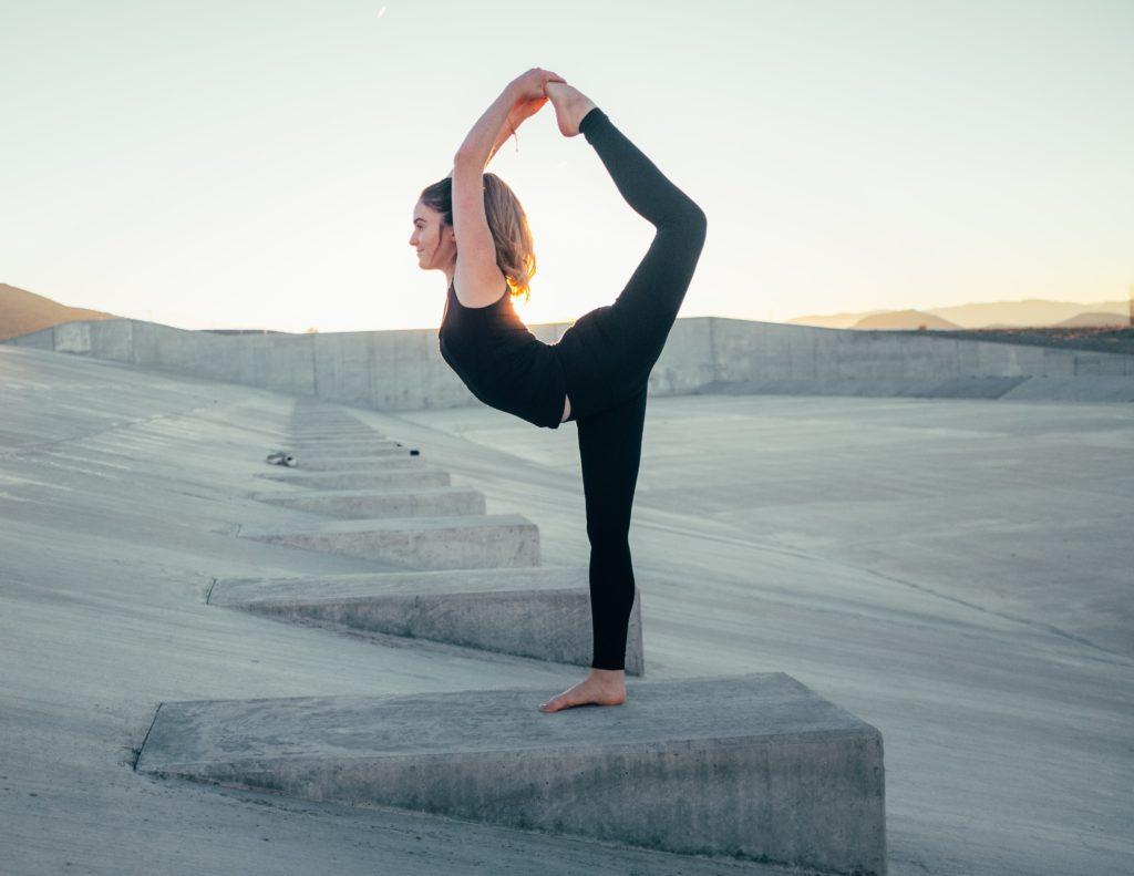 Étirements indispensables en course à pied -yoga du coureur