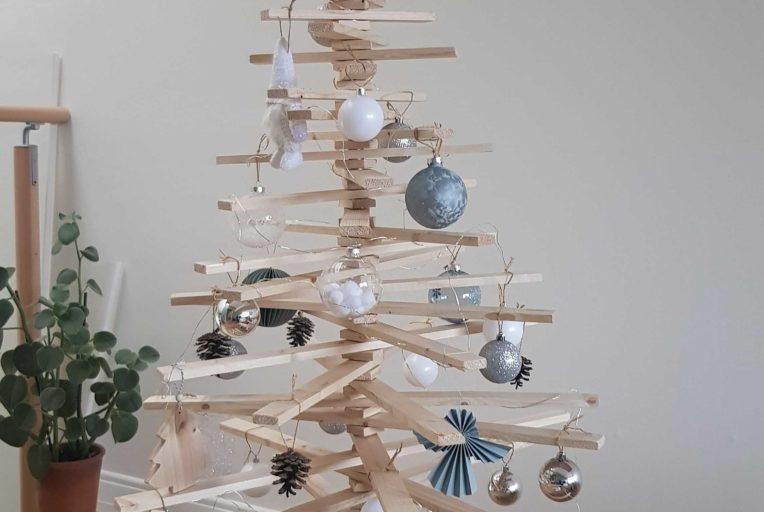 Décoration de Noël écologique - Sapin de Noël écolo en tasseaux de bois